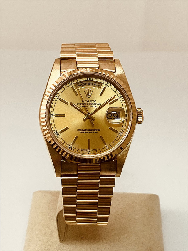 Rolex 18238 Yellow Gold on President, Fluted Bezel Champagne with Gold Index
