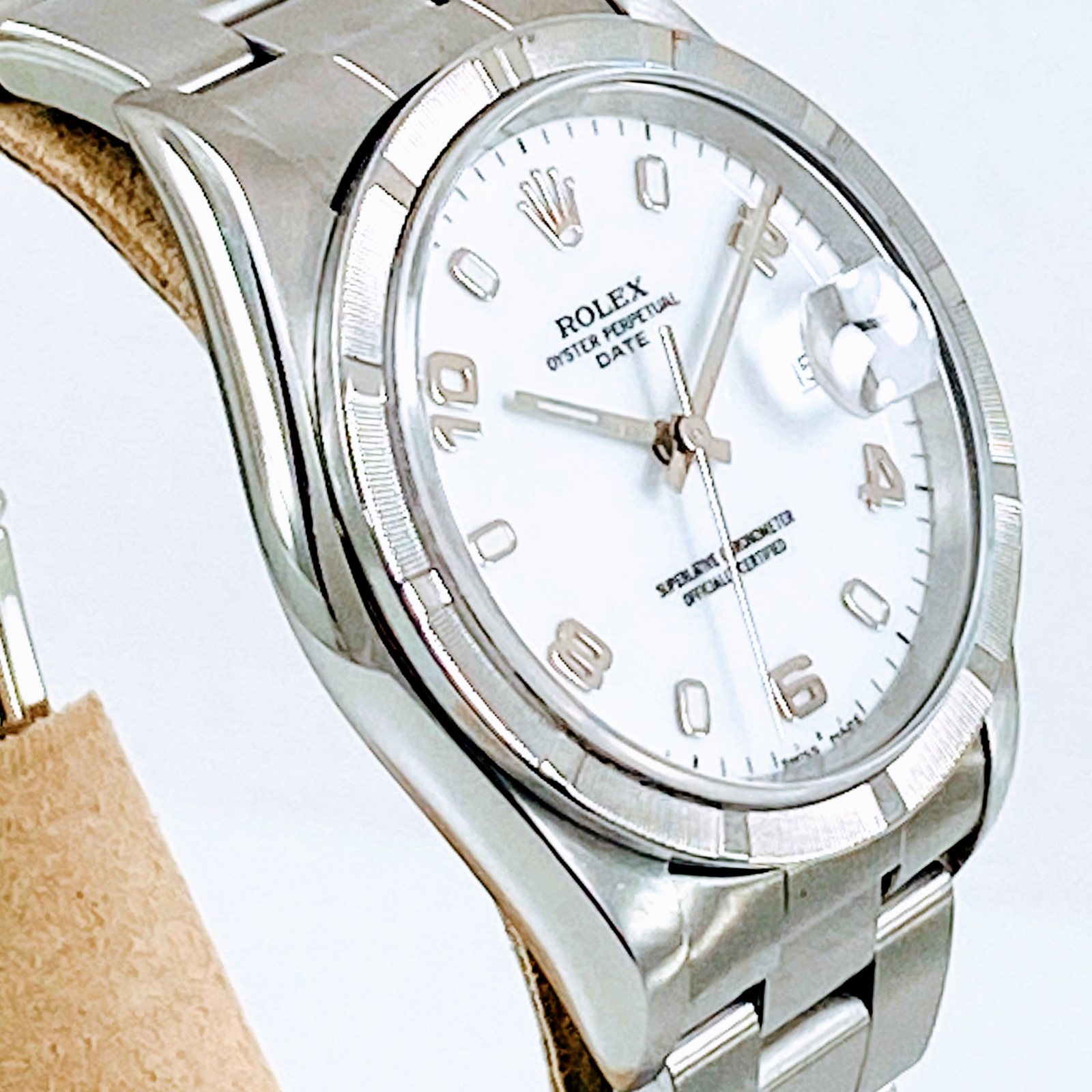Pre-Owned Rolex Date 15210 Stainless Steel 34 mm Luminous Dots & Arabic