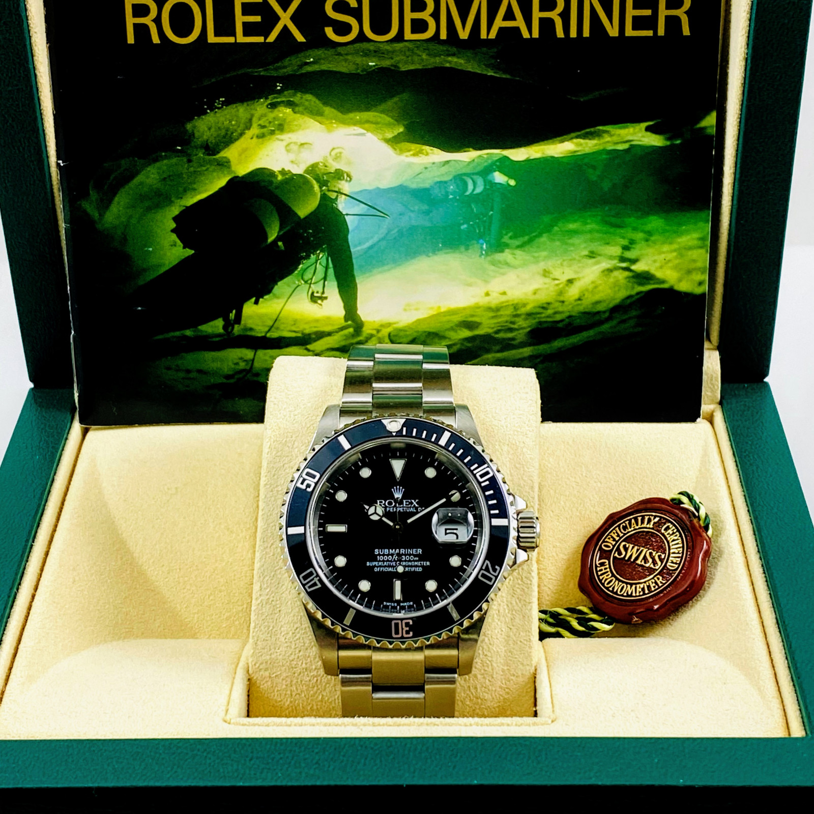 Rolex Submariner 16610 40 mm Mint Condition 2003